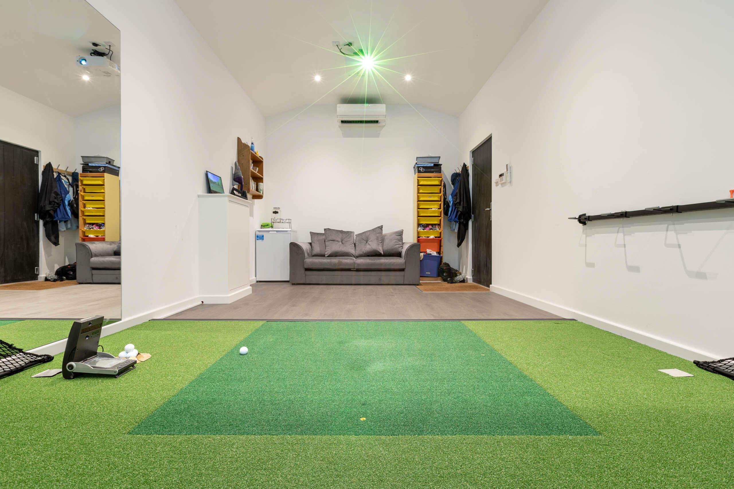 Performance Series Golf Simulator Room